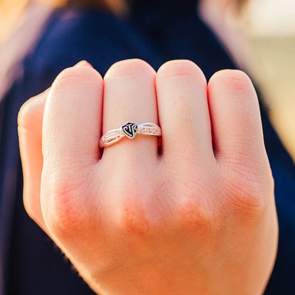 Bow CTR Ring - Antique - RM-C04512